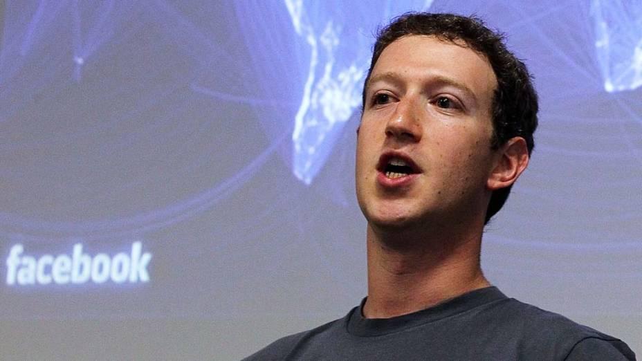 """Zuckerberg, sobre a Timeline, em setembro de 2011: """"Promovemos a maior mudança desde a criação do Facebook"""""""