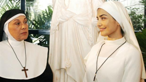 A atriz Marly Bueno (à esquerda) em cena de <em>Páginas da Vida</em> com Letícia Sabatella (à direita)