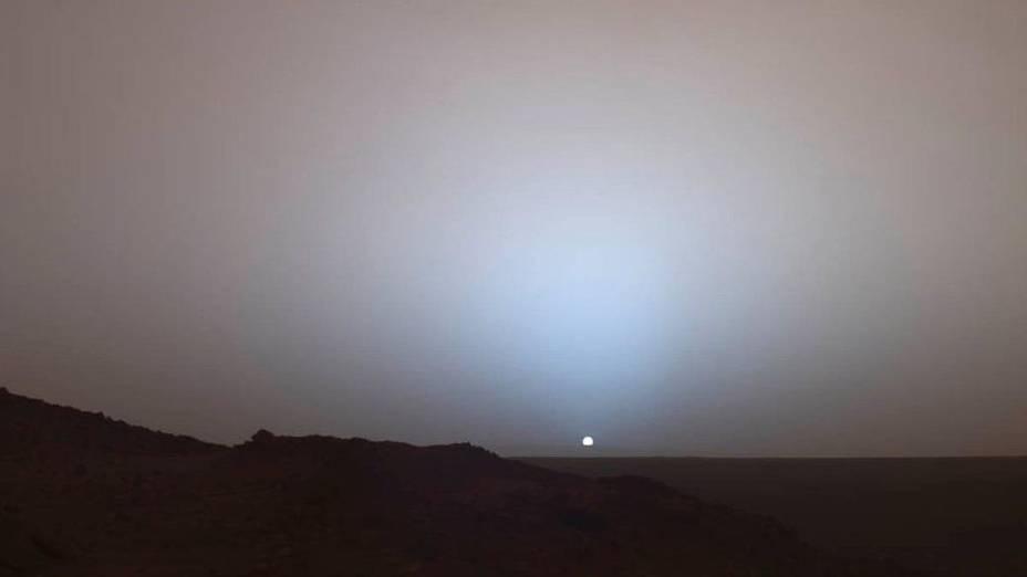 <p>Pôr do sol em Marte, fotografado da cratera Gusev </p>