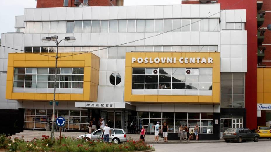 Centro comercial de Srebrenica, em 2012