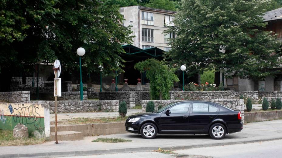 Em 2012, café construído no local de restaurante destruído durante o massacre de Srebrenica, na Bósnia-Herzegóvina