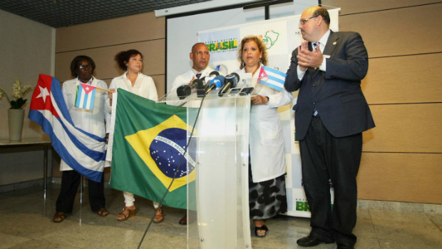 medicos-cubanos-chegam-ao-brasil-original.jpeg