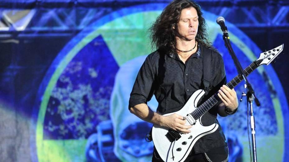 Show da banda Megadeth no palco Energia & Consciência, no último dia do festival SWU em Paulínia, em 14/11/2011