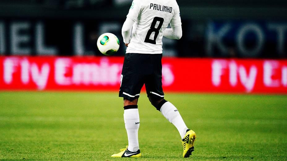 O jogador Paulinho do Corinthians durante partida contra o Al Ahly pela semifinal do Mundial de Clubes da Fifa em Toyota