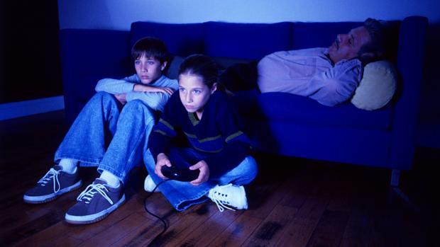 As crianças diante da violência em jogos e filmes | VEJA