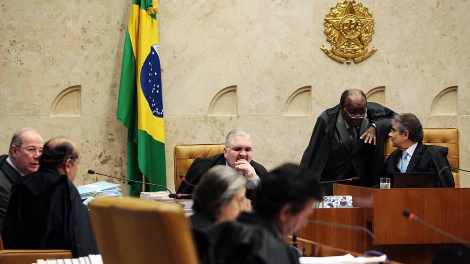 Foi retomado no Plenário do STF o julgamento do mensalão