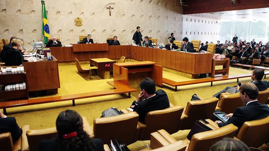 Ministros do Supremo Tribunal Federal (STF) durante sessão do julgamento do mensalão, em 18/10/2012