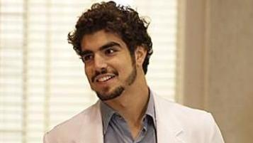 Michel (Caio Castro) no hospital San Magno, de Amor à Vida