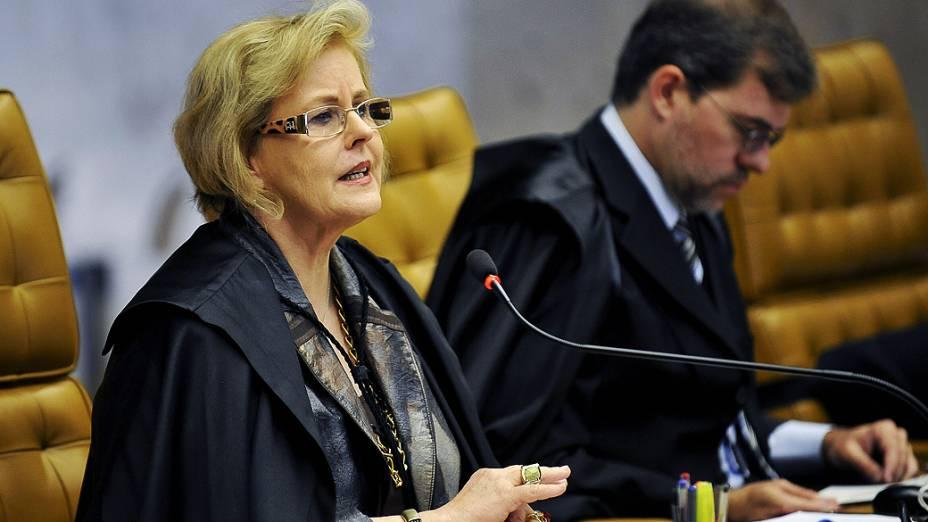 Ministra Rosa Weber do Supremo Tribunal Federal (STF) durante sessão do julgamento do mensalão, em 22/10/2012