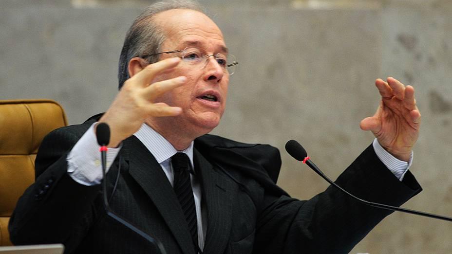 Ministro Celso de Mello durante o julgamento do mensalão, em 08/11/2012