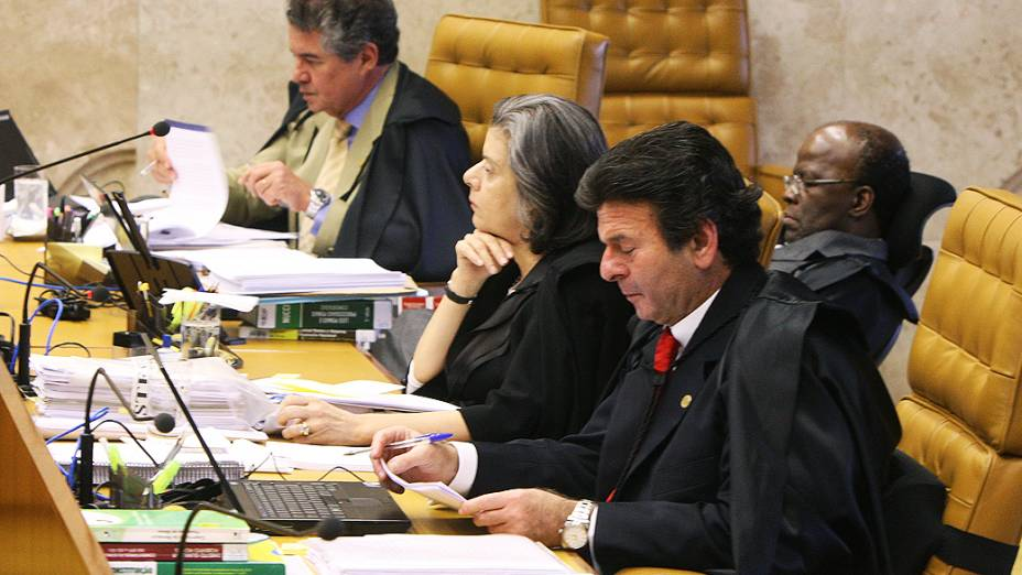 O ministro Luiz Fux durante julgamento do mensalão, em 05/09/2012