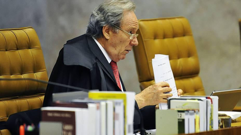 O ministro Ricardo Lewandowski durante retomada do julgamento do mensalão, em 15/10/2012