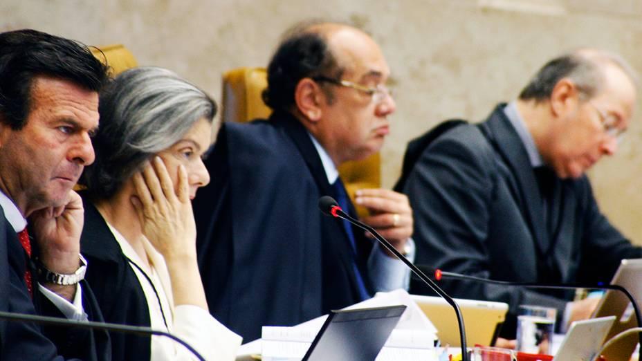 Ministros do STF durante julgamento do mensalão, em 10/12/2012