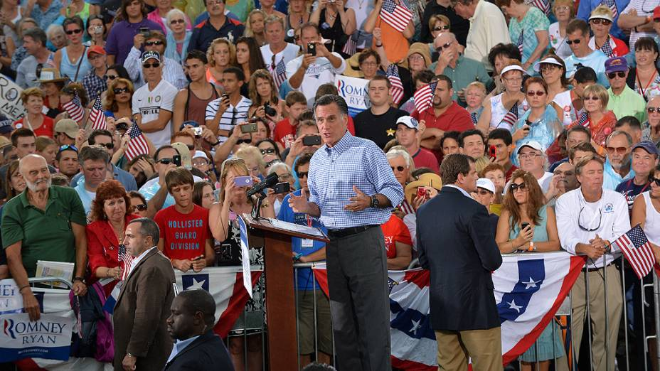 O candidato republicano à presidência dos Estados Unidos, Mitt Romney, discursa na Flórida em compromissos de campanha, em 07/10/2012