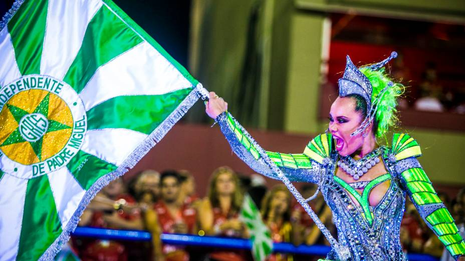 Desfile da escola de samba Mocidade Independente de Padre Miguel pelo Grupo Especial, na Marquês de Sapucaí no Rio de Janeiro (RJ), nesta segunda-feira (3)