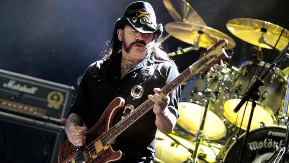 <p>O vocalista Lemmy Kilmister durante o show do Motörhead no palco Mundo, no terceiro dia do Rock in Rio, em 25/09/2011</p>