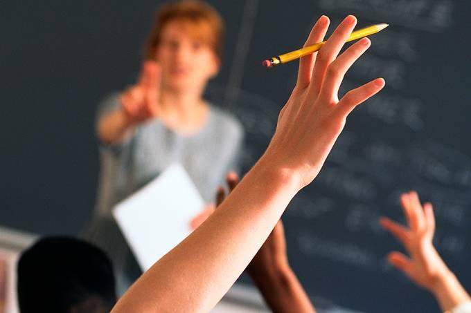 na-primeira-fase-do-programa-1500-alunos-terao-aulas-de-frances-online-original.jpeg