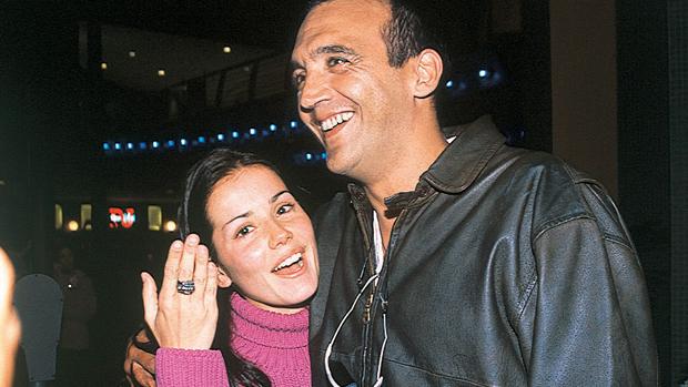 Deborah Secco com Rogério Papinha, em 2001
