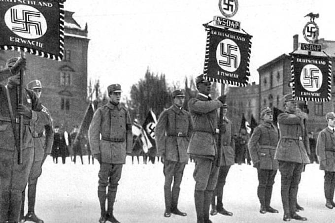 Nazistas em Munique, na Alemanha
