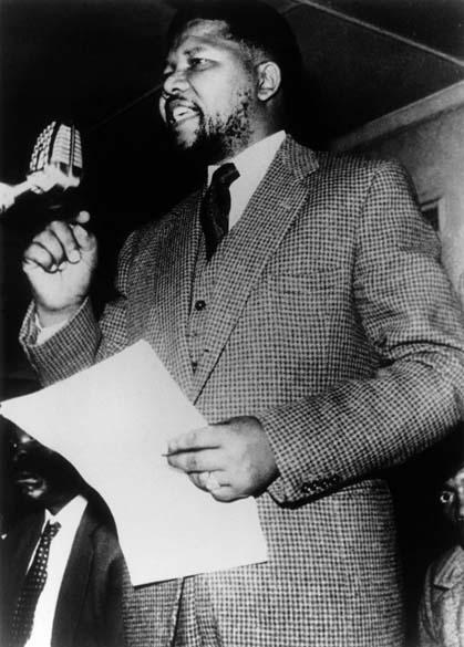 1961 - Nelson Mandela, durante discurso no Congresso Nacional Africano