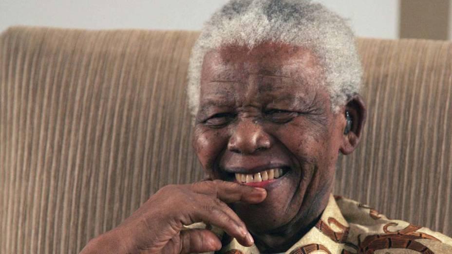 2006 - Nelson Mandela, após receber a Anistia Internacional em Johanesburgo, África do Sul