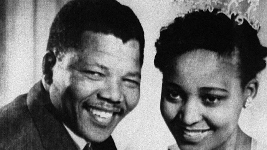 1957 - Nelson Mandela durante o casamento com Winnie Mandela