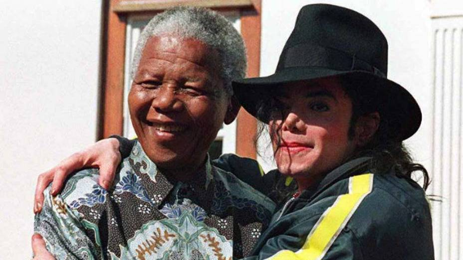 1996 - Nelson Mandela com Michael Jackson na África do Sul