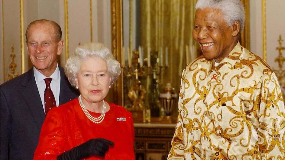 2003 - Rainha Elizabeth II e Nelson Mandela em Londres