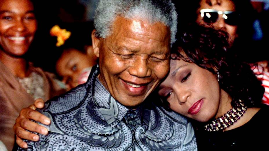 1994 - Nelson Mandela com Whitney Houston em Johanesburgo, África do Sul