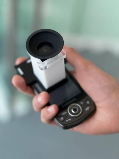 PerfectSight é um complemento para telefones celulares e permite que os usuários façam um teste de visão rápido e de baixo custo.