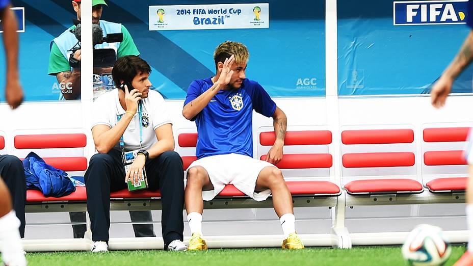 Neymar é visto no Mané Garrincha antes do jogo contra a Holanda, em Brasília