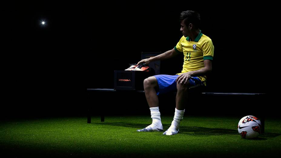 Neymar apresenta suas novas chuterias de futebol no Rio de Janeiro