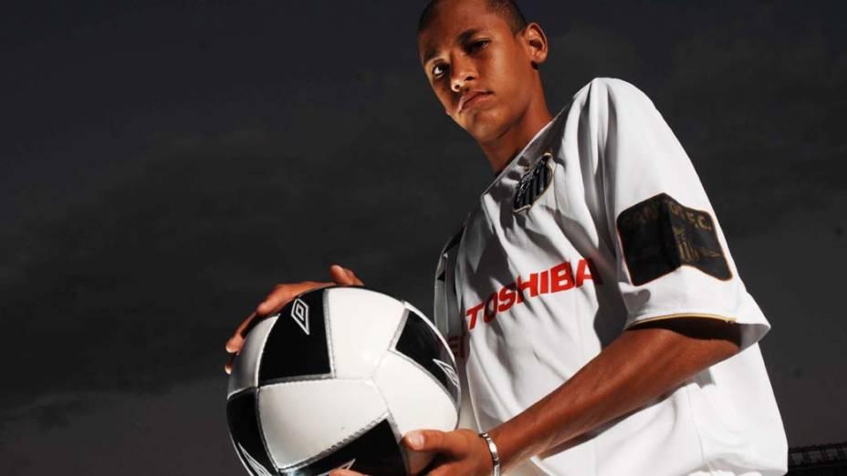 Neymar com uniforme do Santos em 2008