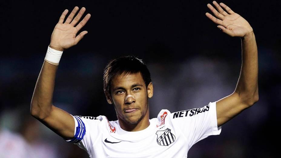 O jogador Neymar durante partida entre Santos e Atlético-Go, em 11/11/2012