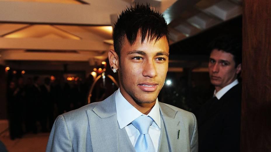 Neymar durante casamento de Paulo Henrique Ganso Giovanna Costi, no litoral de São Paulo