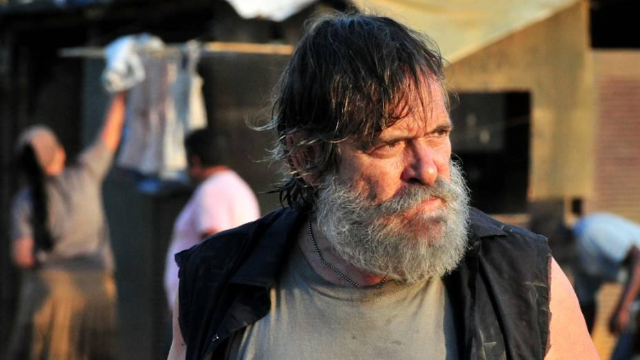 Nilo (José de Abreu) durante gravações da novela Avenida Brasil