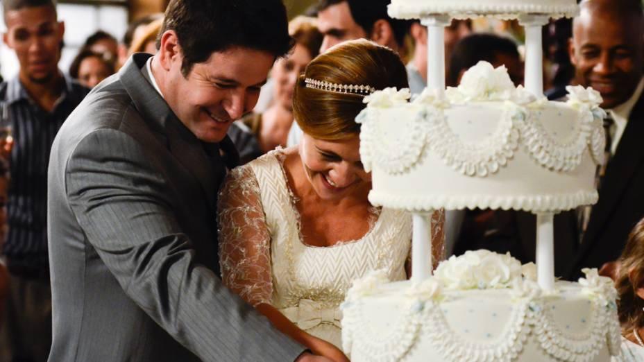 Casamento de Carminha (Adriana Esteves) e Tufão (Murilo Benício) durante gravação da novela Avenida Brasil