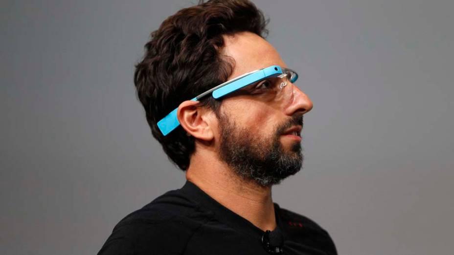 Sergey Brin, cofundador do Google, apresenta o Google Glasses