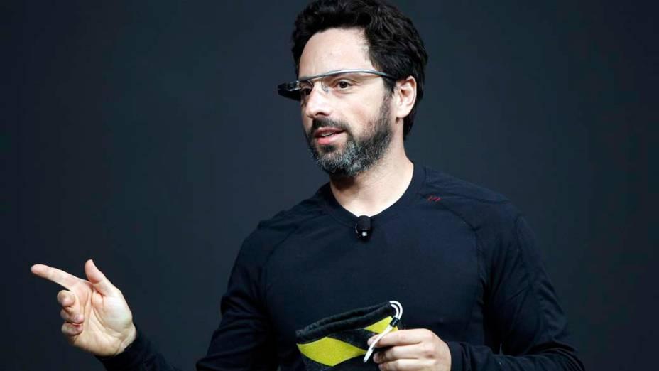 Sergey Brin, CEO do Google, apresenta o novo Google Glasses