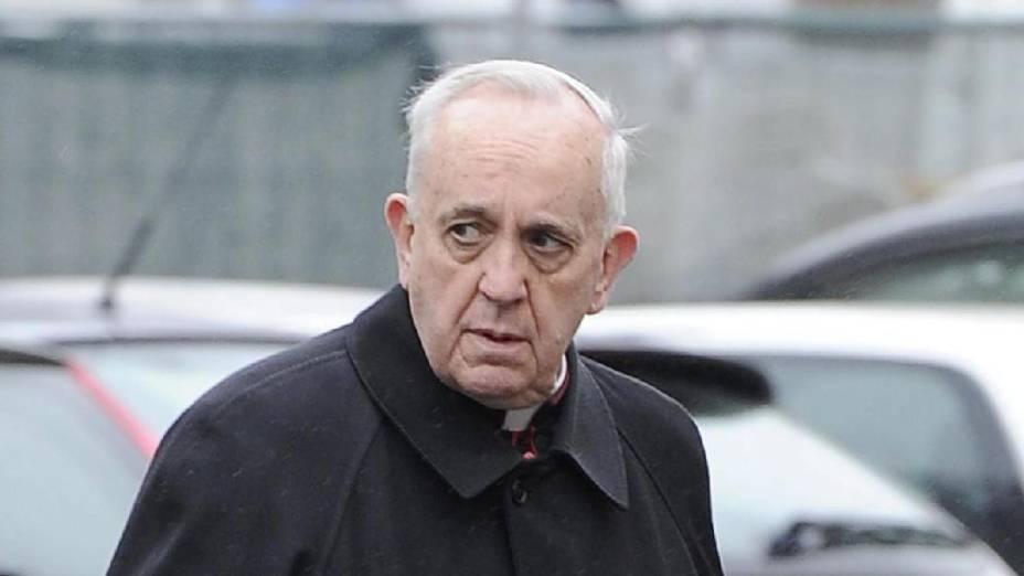 O argentino Jorge Mario Bergoglio é eleito o novo papa