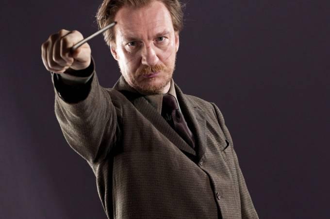 o-ator-david-thewlis-na-pele-do-personagem-remo-lupin-original.jpeg