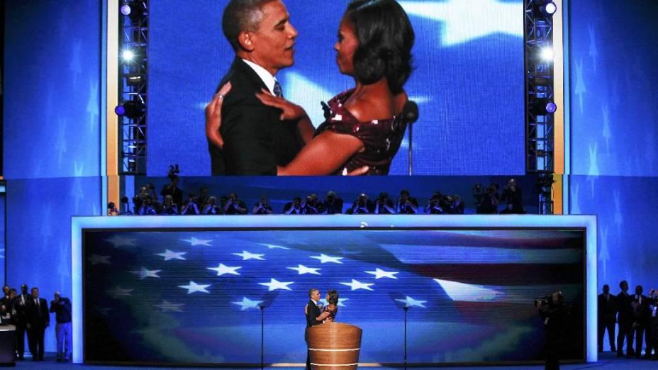 Michele faz declaração à mulher na abertura de seu discurso na convenção democrata