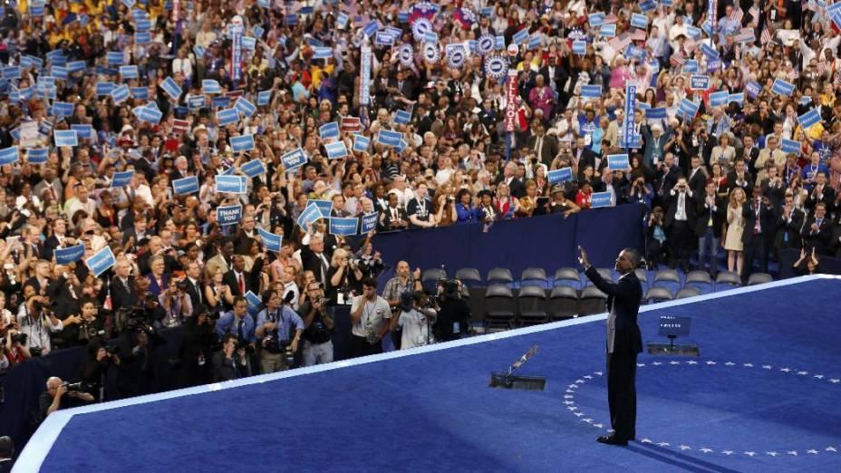 Obama saúda seus partidários democratas no encerrametno da convenção que o confirmou como candidato à reeleição à Presidência americana