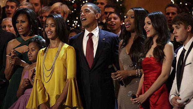 <p>Presidente americano e sua família assistiram a concerto de Natal em Washington ao lado de artistas como Justin Bieber</p>