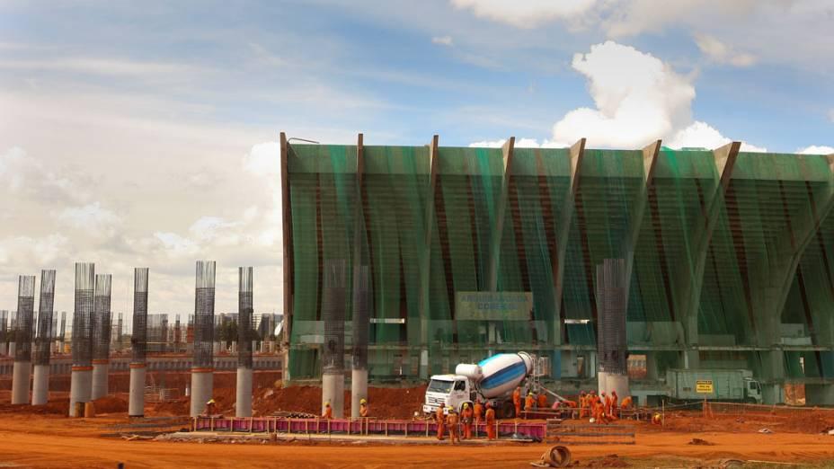 Arquibancada que deve ser impolida para dar continuidade as obras no estádio Mané Garrincha, em Brasília. A construção segue dentro do cronograma e a arena pode receber a abertura da Copa de 2014