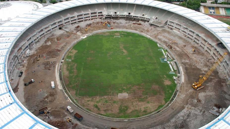 Vista aérea das obras de reforma do estádio do Maracanã, Rio de Janeiro