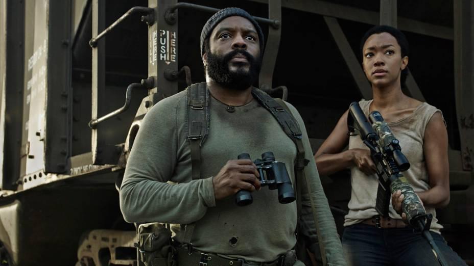 Os atores Chad L. Coleman (Tyreese) e Sonequa Martin-Green (Sasha) em The Walking Dead