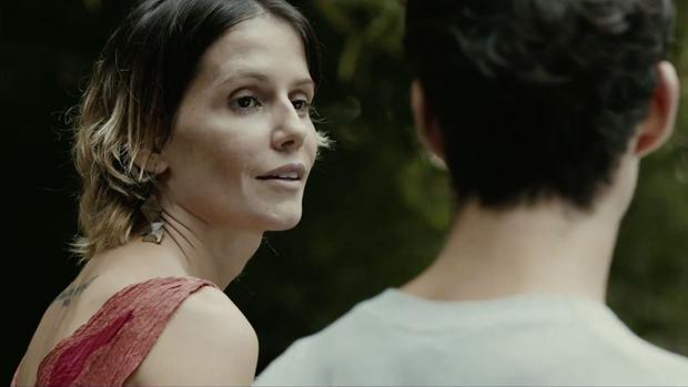 Os atores Deborah Secco e João Pedro Zappa, no filme Boa Sorte