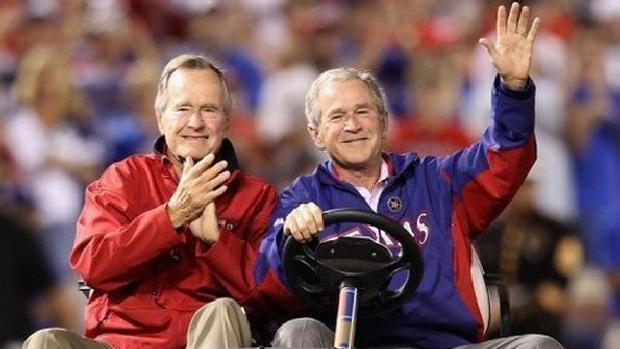 os-ex-presidentes-george-w-bush-d-e-george-h-w-bush-em-foto-de-2010-original.jpeg