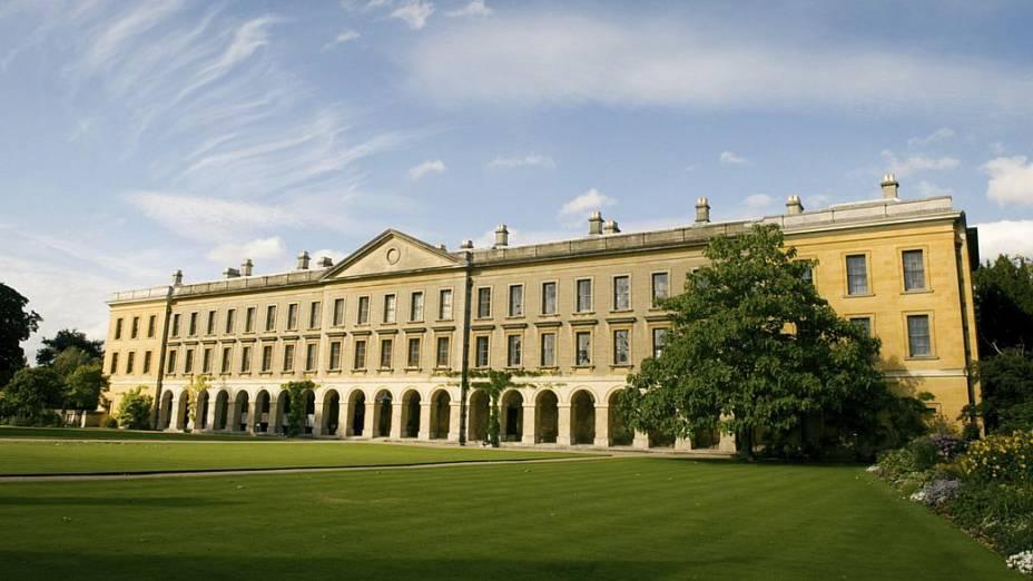 Universidade de Oxford, na Grã-Bretanha - 2º lugar no ranking do THE